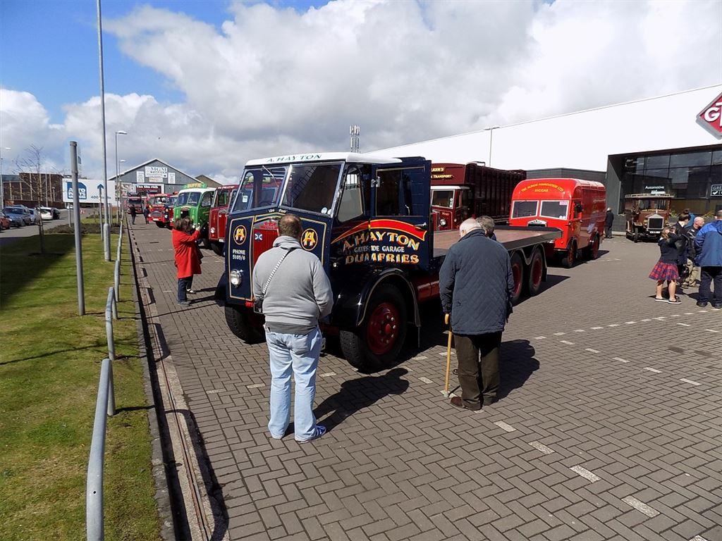 Lorries_line-up